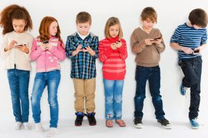 Skinite dete sa mobilnog telefona, sprečite zavisnost